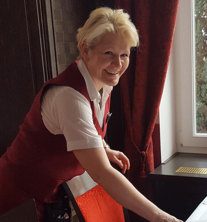 Jana Schwarz, Restaurantfachfrau, Recknitztal-Hotel, Marlow